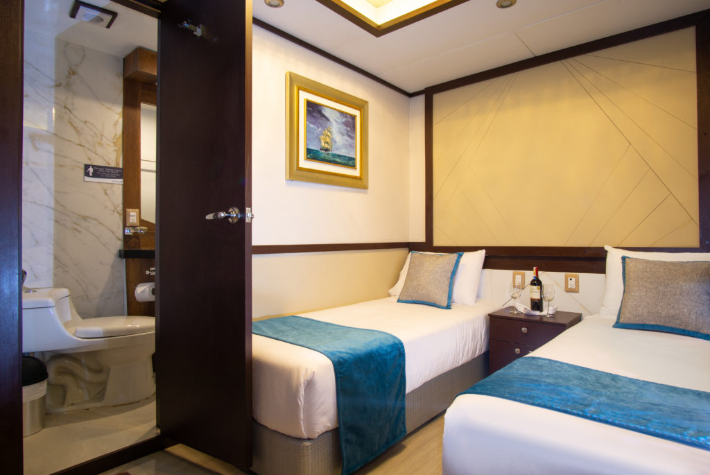 Grand Majestic Lower Stateroom Twin Bed