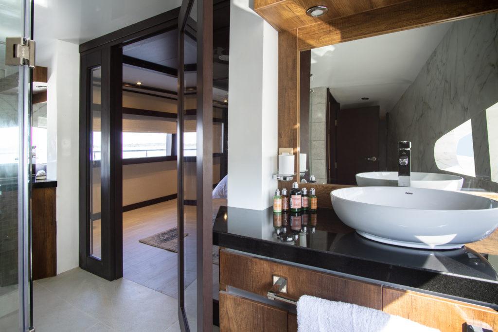 Grand Majestic suite-bathroom-1