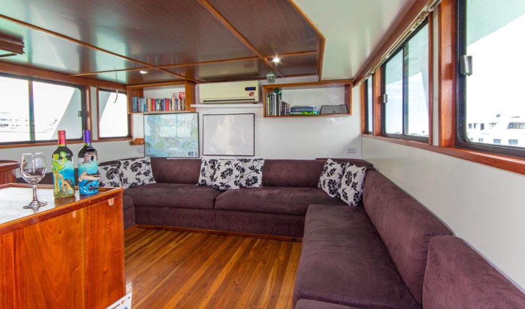 Main Deck – Lounge 2