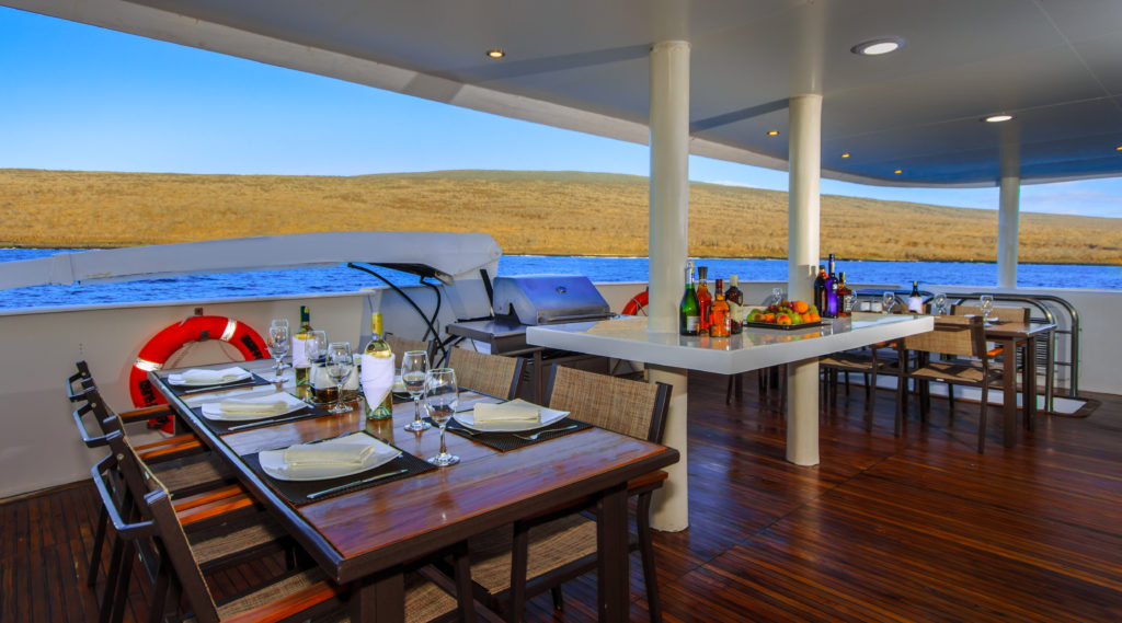 Treasure of Galapagos Alfresco dining