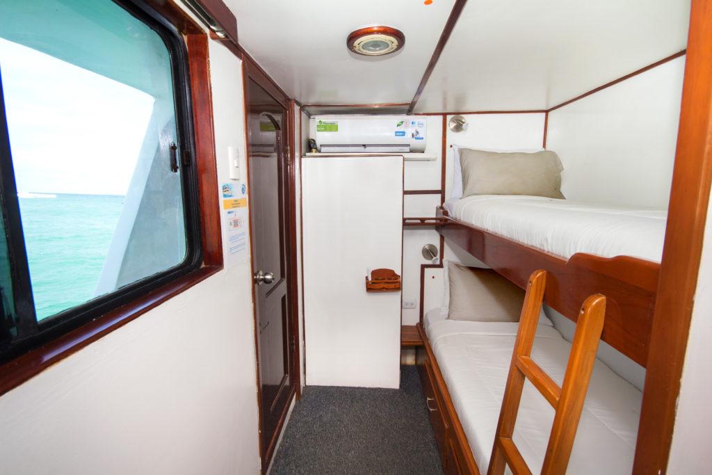 Upper Deck – Twin Cabin