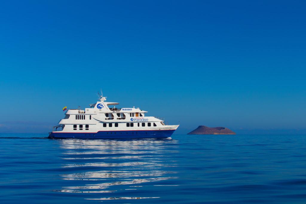 galapagos-natural-paradise-yacht
