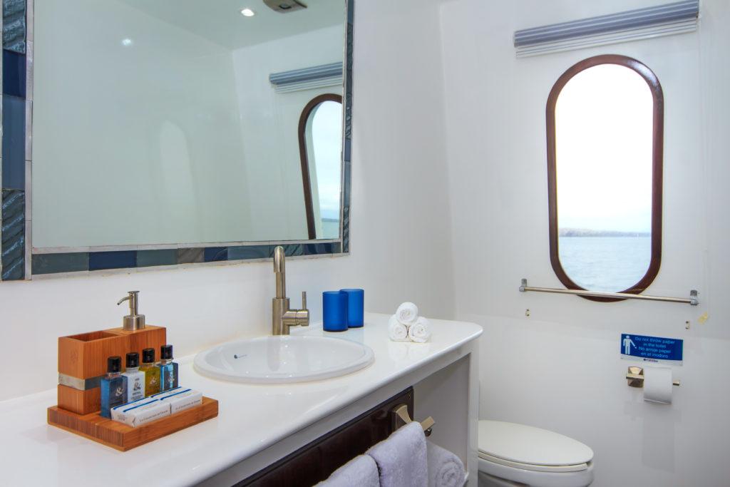 natural-paradise-bathroom1