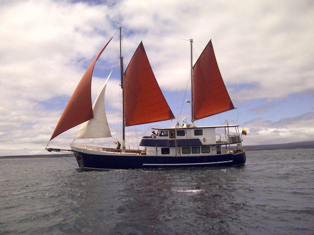 Samba yacht galapagos