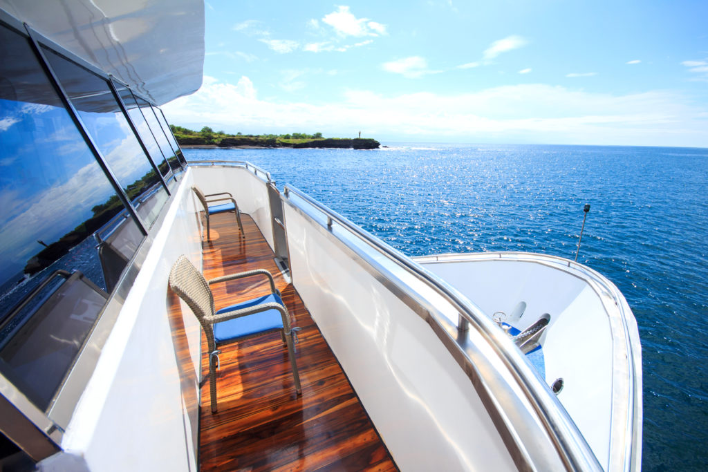 Lookout Solaris yacht