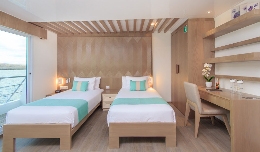 8. Endemic Golden Suites twin beds – F7