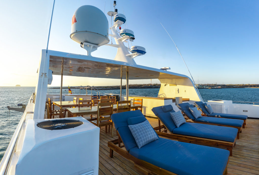 Calipso-Sun-deck