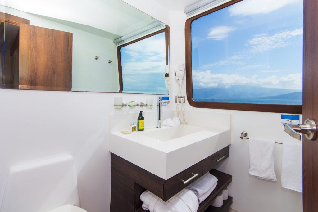 cormorant-1-bathroom